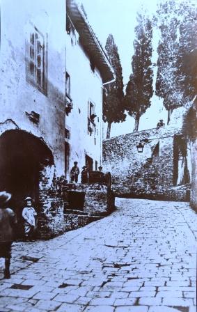 S.Agata, il Mulino. A sn sotto l'arco forno pubblico di proprietà della Pieve. Primi del '900